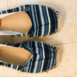 Striped Casual slip on shoes / flats